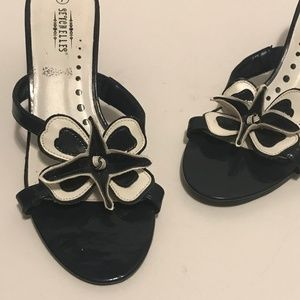 🆕 Seychelles Black White Patent Flower Sandals 7